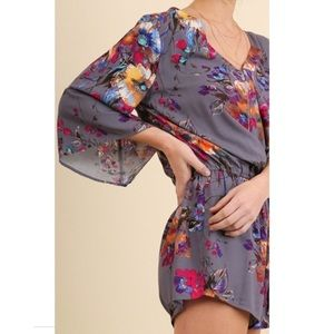 EUC Umgee purple v neck flower romper waist tie